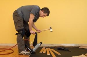 Laminate flooring vs hardwood flooring - How long does laminate flooring last ...