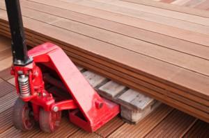 key differences between laminate flooring and manufactured hardwood flooring. Black Bedroom Furniture Sets. Home Design Ideas